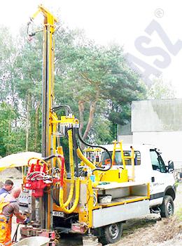 H25SI - wiertnica płuczkowa na samochodzie ciężarowym