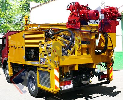 P-H30S - wiertnica płuczkowa na samochodzie ciężarowym